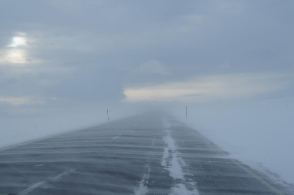Śnieżyca na drodze